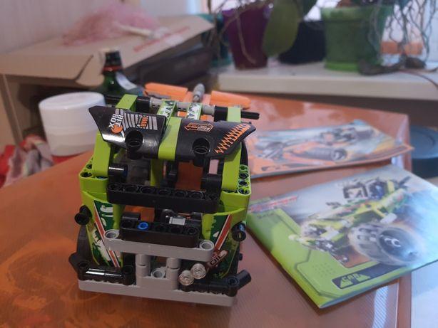 на заводе lego technic грузовик (аналог decool)