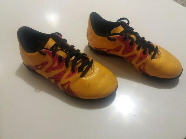 Buty piłkarskie turfy adidas nie korki