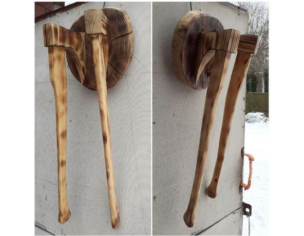 Ozdoba drewniana - dwa toporki - siekiery - wisząca - rękodzieł