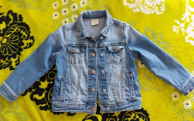 Kurtka jeansowa dżinsowa ZARA rozmiar 104 na 3 4 lata
