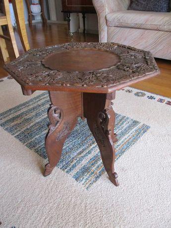 Mesa de apoio em madeira indiana, desmontável.