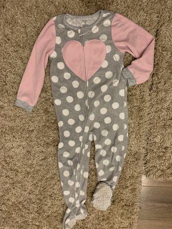 Набір речей (піжама, джинси, кофта) для дівчинки, розмір 98-104