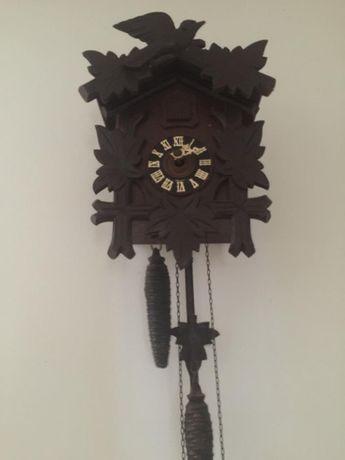 Stary drewniany zegar z kukułką Wilfried Eisfeld