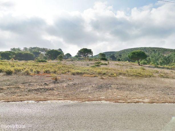 Terreno 7675 m2 / construção 150 m2 / 5 min praias / 35 min Lisboa
