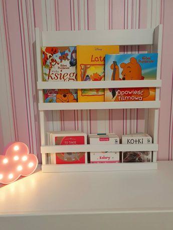 Półka na książeczki