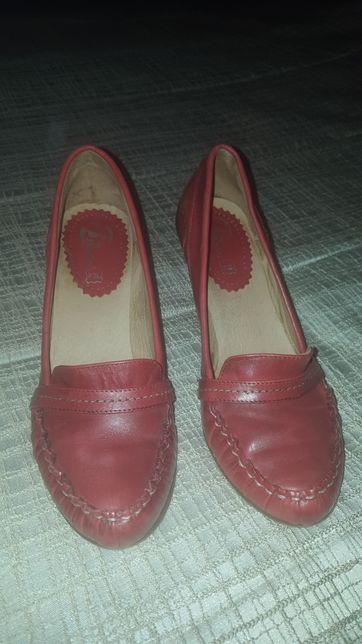 Sapato em pele 38