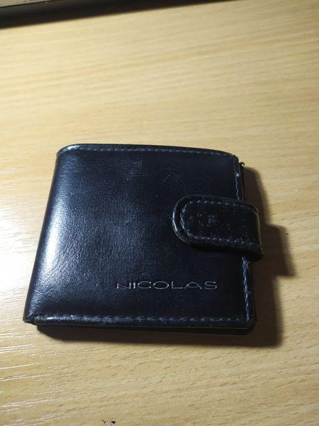 Męski portfel skórzany (prawie ja nowy) Nicolas, oraz drugi w zestawie