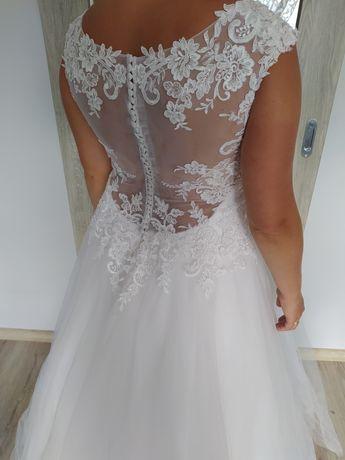 Suknia ślubna ,,Estrella,, księżniczka roz 40