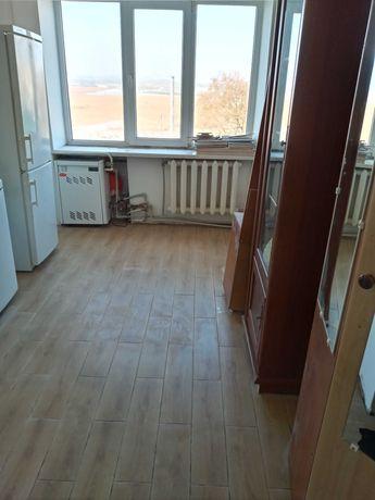 Продам в центрі с. Г.Полонка (5 км від Луцька) 1-ну квартиру 36 кв.м.
