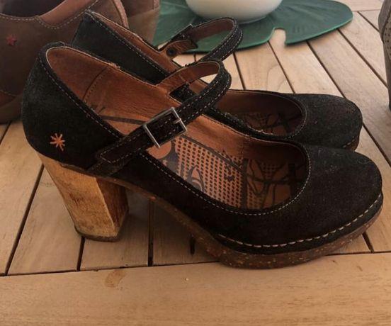Sapatos de Pretod