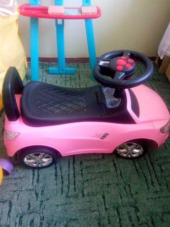 Машинка для дівчинки