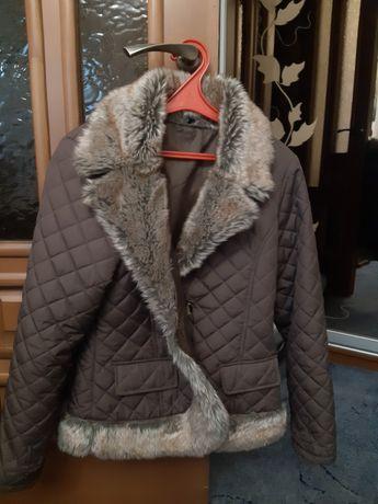 Куртка стеганая с мехом.