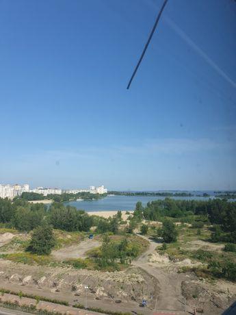 Сдается хорошая 2 комнатная квартира с видом на Днепр посуточно