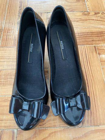 Sapatos melissa muito pouco uso