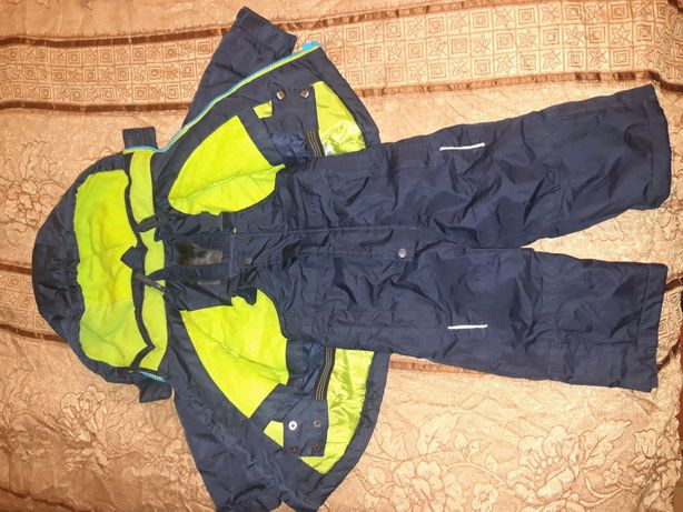 Весенняя куртка с комбезом  на годик-полтора