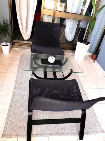 Mesa de centro e cadeiras (poltronas)