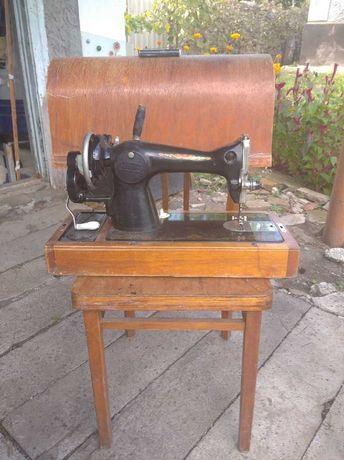 Машинка швейная ручная