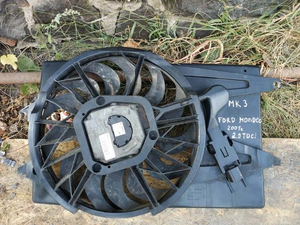 Вентилятор радиатора охлаждения Ford Mondeo MK3. 2001 г.