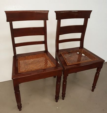 Conjunto de 2 Cadeiras Romanticas do Seculo XIX em Mogno