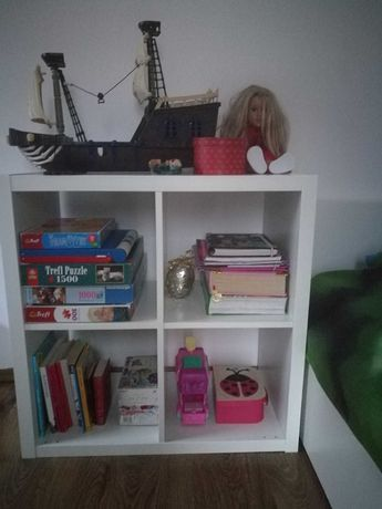 Stylowa półka z biurkiem w komplecie (IKEA)