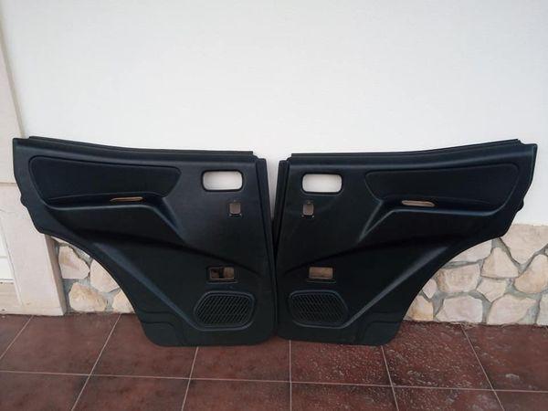 Forras / Quartelas das portas Nissan Terrano 2 longo Portas de trás