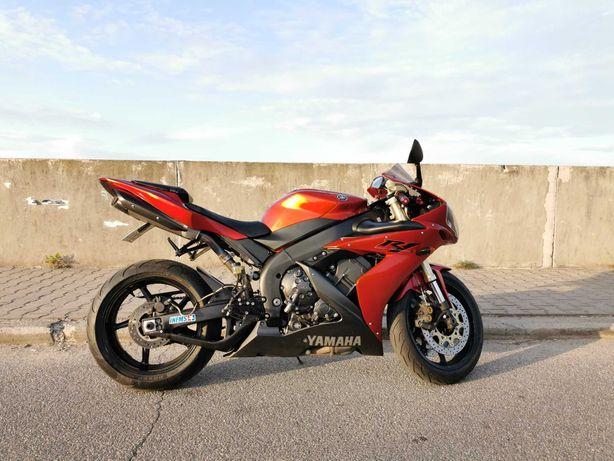 Yamaha yzf r1 rn12 2004