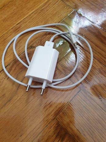 Зарядний пристрій до iPhone