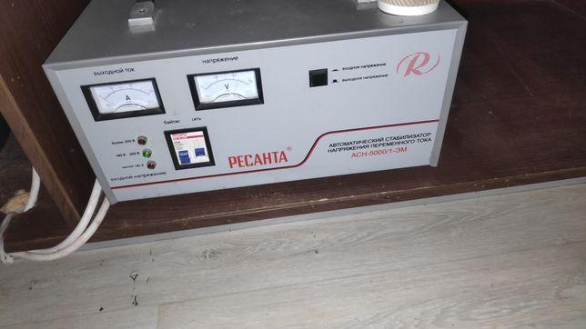 Стабилизатор напряжения Ресанта АСН-5000/1-ЭМ 5 Квт