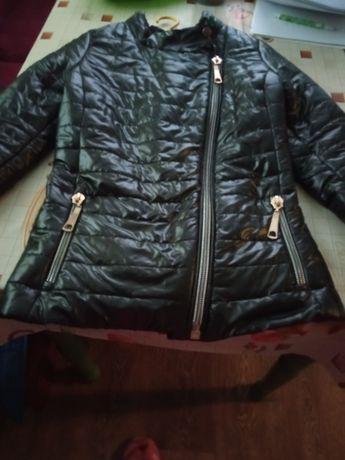 Продам курточку деми