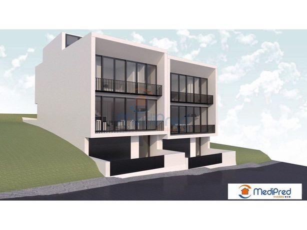 Moradia T3 + Rooftop em Loures