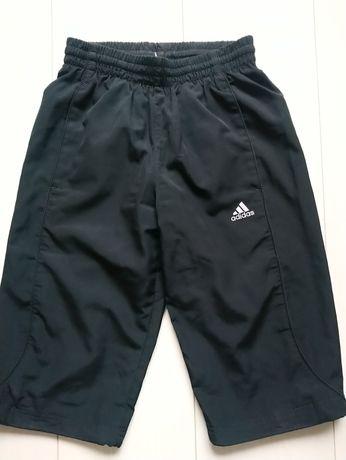 Для школярів спортивні шорти Adidas 9-10 років