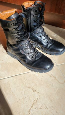 Botas militares com fecho n.° 41
