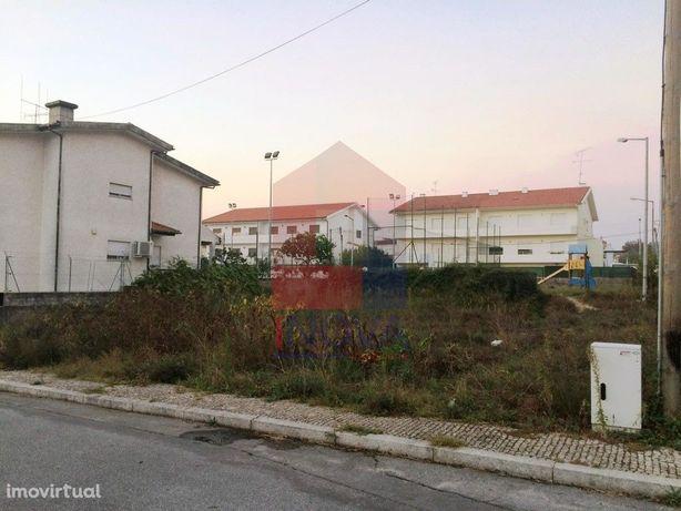 Vende-se Lote de terreno, Vila de Prado