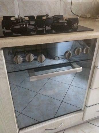 Piekarnik elektryczny wraz z plytą gazową i okapem firmy mastercooc
