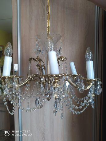 Żyrandol kryształowy z mosiądzem