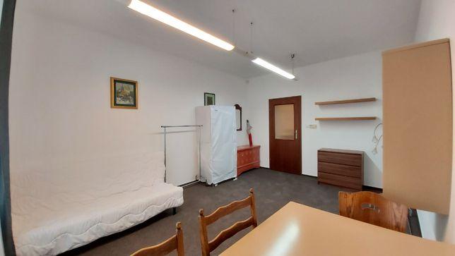 Przestronne mieszkanie składające się z 4 pokoi w centrum Krakowa!
