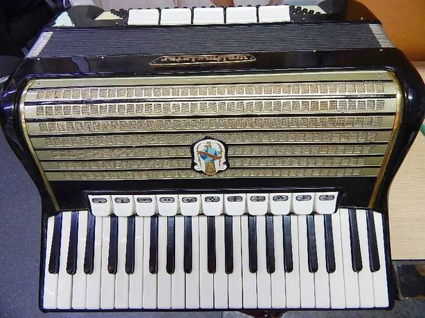 Akordeon WELTMEISTER 120 basów czterochórowy klawisze z kości sł.