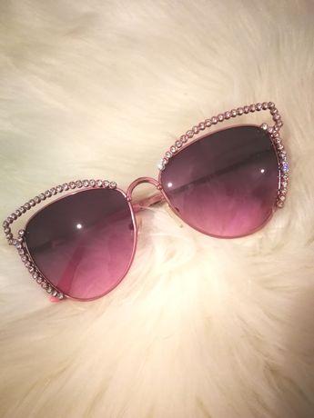 Różowe okulary przeciwsłoneczne z kryształkami