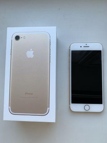 Айфон iPhone 7  32 gold
