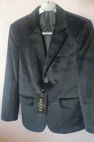 Велюровый пиджак Gucci на мальчика