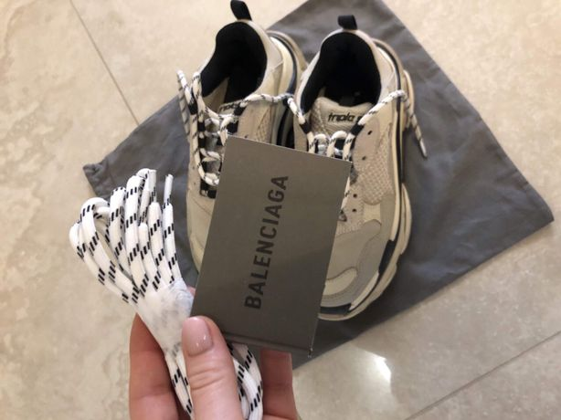 Стильные кроссовки Balenciaga
