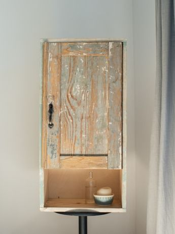 Stara, drewniana szafka wisząca, vinatge
