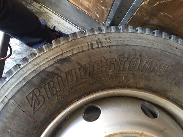 Продам шини на дисках Bridgestone 275/80R 22,5 б/у