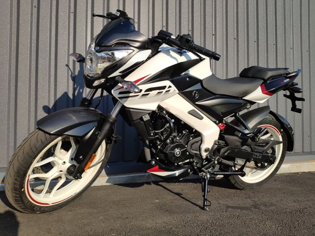 Мотоцикл Bajaj Pulsar NS 200 мотосалон MOTOPLUS