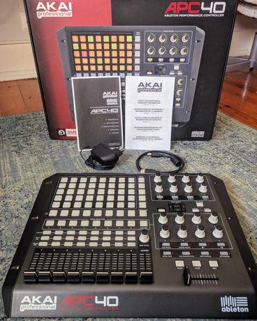 Ableton Akai APC40, em caixa original, todos os acessórios