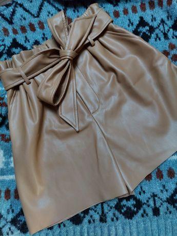 Nowe beżowe spodenki paperbag z ecoskóry marki Zara M z wiązaniem