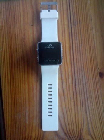 Продам часы Adidas