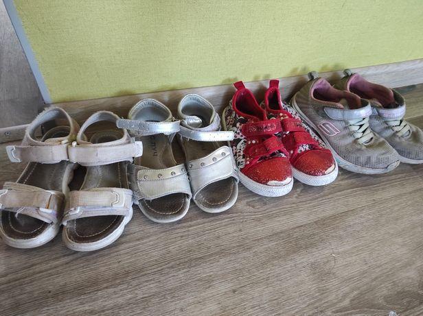 Обувь на девочку 29-30 даром