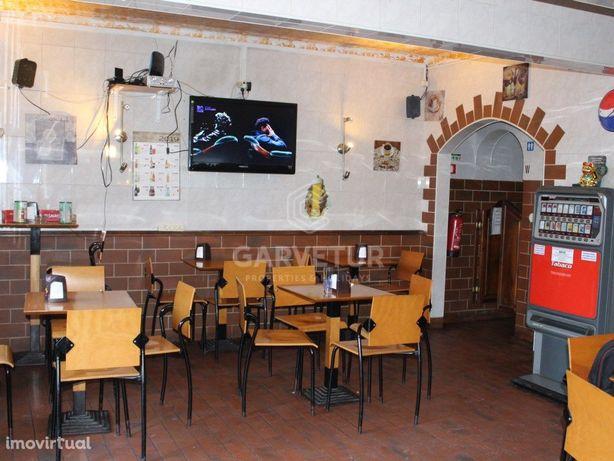 Prédio habitacional com restauração no centro, Tavira, Al...