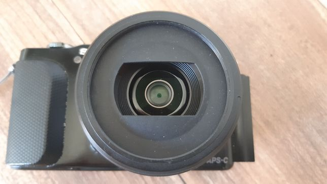 Aparat cyfrowy Sony NEX-3N + SEL20F28